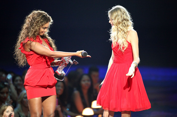 Taylor Swift speaks after Beyonce allows her to finish her speech that was cut short by Kanye West after Beyonce won Best Video of the Year